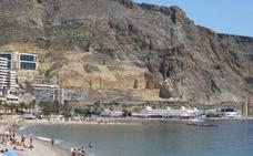 IU reclama una partida en los presupuestos para restaurar los acantilados de Aguadulce