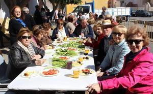El Ayuntamiento prevé gastar casi 18.000 euros en las migas del Día de Andalucía