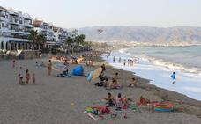 Las playas roqueteras contarán este verano con siete canales náuticos y dos de natación