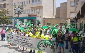 Arranca la huelga de basuras mientras siguen las negociaciones entre las partes