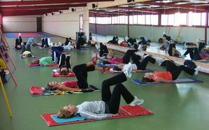 Cursos de natación y Las 100 horas, entre las actividades deportivas de este verano