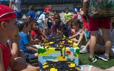El CEIP Llanos de Marín organizó en el Peroles unas MiniOlimpiadas Saludables para sus 350 alumnos