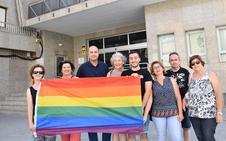 Concentración y manifiesto de IU-TD-E con motivo del Orgullo LGTBI