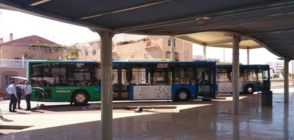 Vuelven los autobuses nocturnos entre Roquetas y Almería los fines de semana
