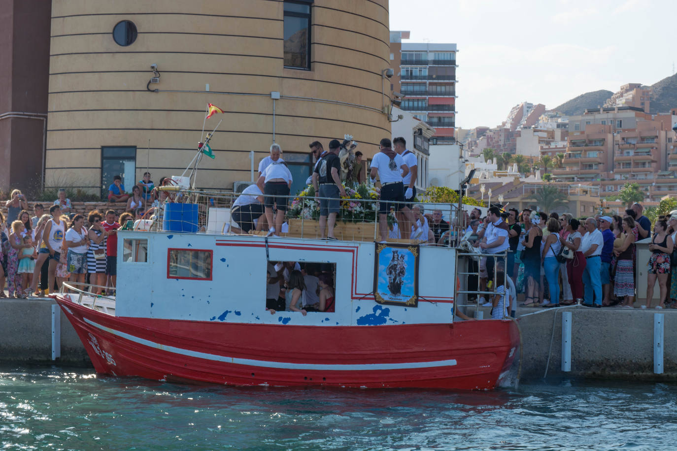 Última jornada de fiestas en Aguadulce con la procesión terrestre de la Virgen del Carmen