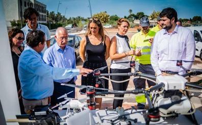 Drones y vehículos todoterreno para luchar contra los mosquitos en Roquetas