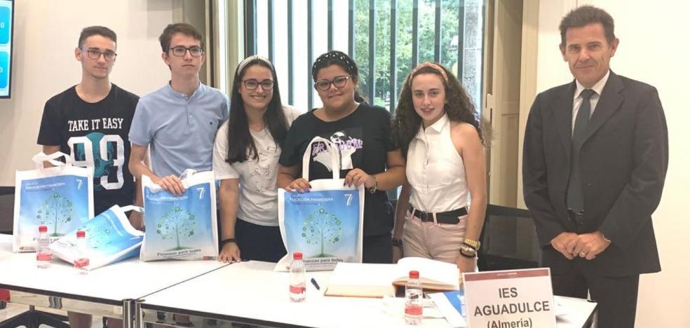 El IES Aguadulce llega a la semifinal del concurso 'Finanzas para todos' del Banco de España y la CNMV