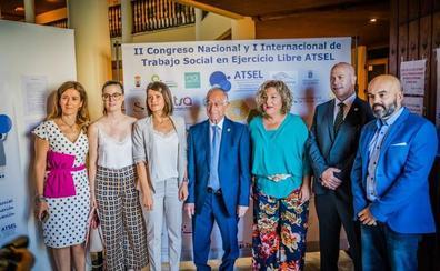 Roquetas se convierte esta semana en la capital del trabajo social con un congreso