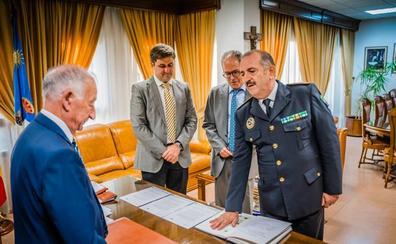 Miguel Ángel López toma posesión del cargo de intendente mayor de la Policía Local de Roquetas