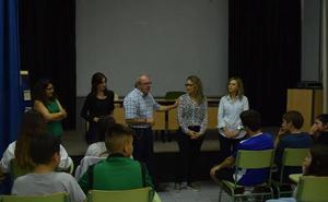 Arrancan en Vícar los talleres 'Código Joven'