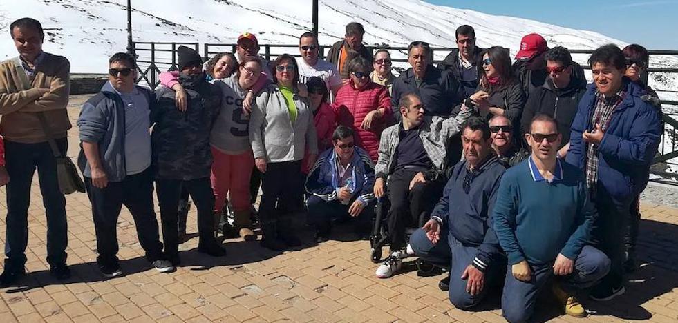 Los usuarios del Centro Ocupacional disfrutan de unos días en Sierra Nevada