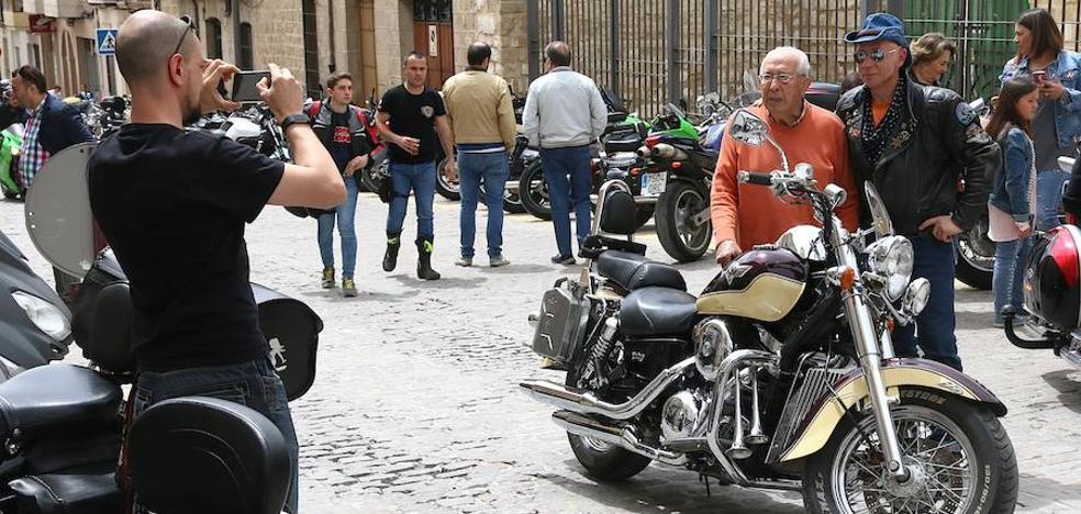 Amplia participación en la Reunión Motera del Renacimiento del Motoclub 12 Leones de Úbeda