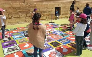 Juegos sobre la época renacentista en plena plaza Vázquez de Molina
