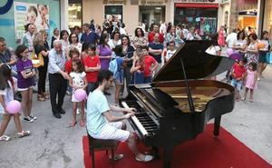 Música y compras volverán a darse la mano hasta la media noche durante la Shopping Night