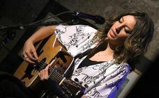 Sara Ráez presentó sus nuevas canciones en San Lorenzo