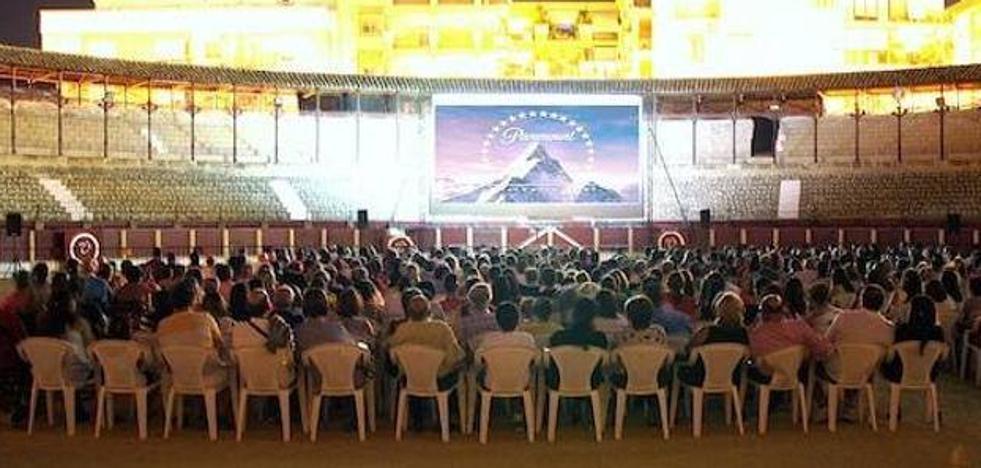 El cine de verano de la plaza de toros arrancará el jueves y será gratuito este año