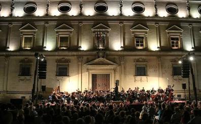 Música de cine en la monumental plaza Vázquez de Molina