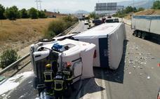 Reabren al tráfico la A-316 sentido Úbeda que quedó cortada por el vuelco de un camión a la altura de Jaén