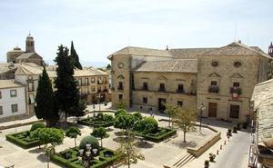El Ayuntamiento de Úbeda convoca una concentración y tres días de luto por el presunto crimen machista