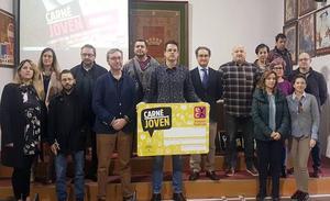 Alrededor de cien empresas de Úbeda se adhieren a la campaña del Carné Joven