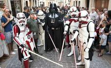 Juegos, baile y una visita al hospital durante el 'Star Wars Day'