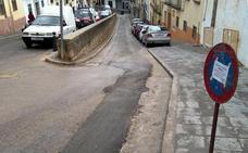 Nuevas zanjas en la calle Carnicerito un año después de su remodelación integral