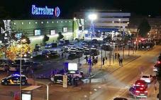 Una falsa amenaza de bomba obliga a desalojar el centro comercial Carrefour Úbeda