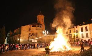 Úbeda y sus pedanías vivieron la víspera de San Antón al calor de las hogueras