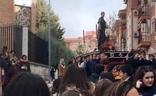 Procesión de San Juan Bosco en las vísperas de su festividad