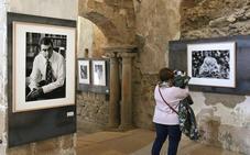 Más de sesenta rostros para recorrer parte de la historia reciente de España