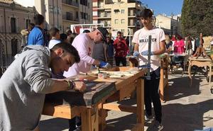La Escuela de Arte 'Casa de las Torres' sacó sus talleres a la calle