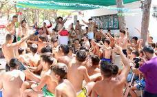Preparativos para los campamentos de verano que JAC organiza en la playa de La Barrosa