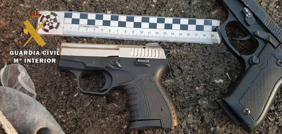 Detenidos dos vecinos de Úbeda tras saltarse un control y arrojar dos armas desde el coche