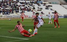 El Carlos Belmonte es para el Almería escenario para el alivio o el llanto