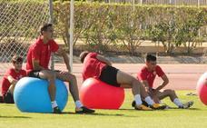 Un Almería con muchas novedades viaja a por la victoria en Huesca