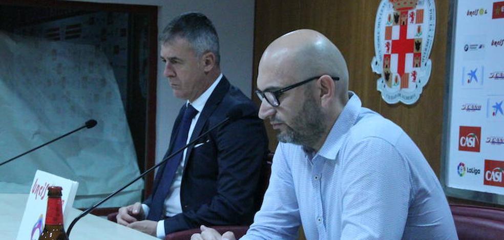 Alfonso García: «El futuro del Almería está en juego»
