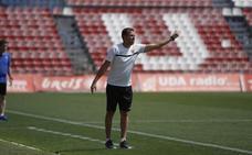 Esteban Navarro, renovado como entrenador de la UD Almería B