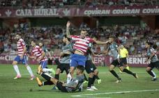El Almería quiere hacerse con los servicios del central Charlie Dean