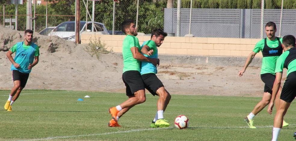 El Almería viaja a Soria con Adri Montoro; Fran deja fuera a Arzura
