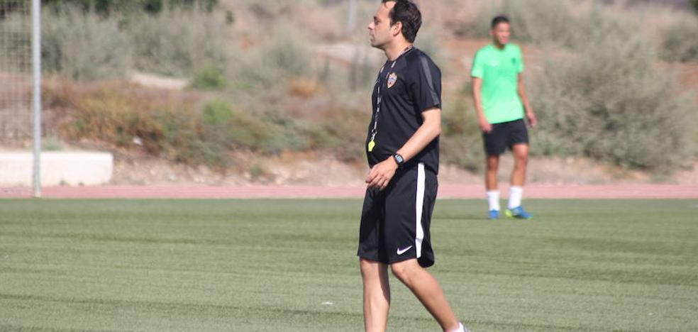 Fran Fernández persigue para el Almería el reto de ganar el tercero