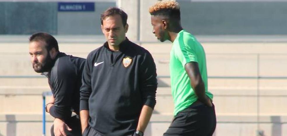 Fran dice que «el Sporting es un gran equipo», y el Almería también