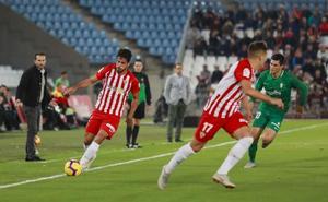 La prensa destaca que la UD Almería fue mas 'combativo' que el Sporting