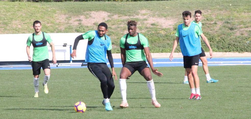 El Almería trabaja con exigencia para sumar una victoria reparadora