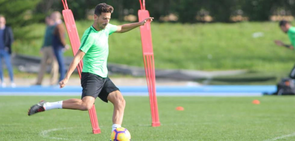 El Almería viaja con 19 a Oviedo y la baja de Andoni López por lesión