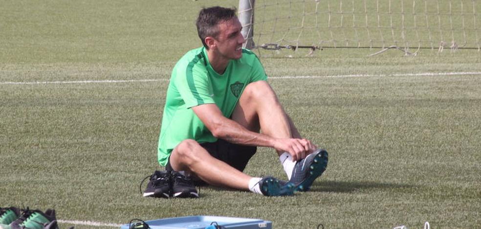 Aguza y Caballero, novedades en el Almería para jugar en Elche