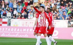 El Almería impone su fútbol ante un Numancia al que no le salió su propuesta