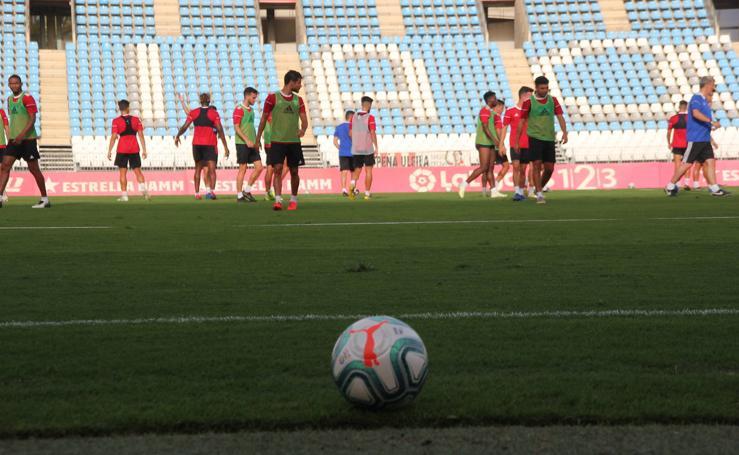 La UD Almería ya se entrena con el balón