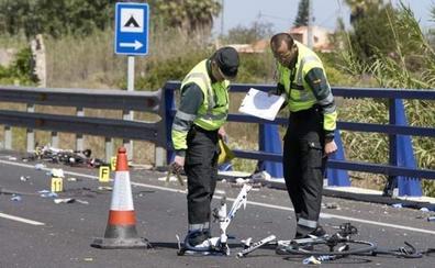 Una conductora borracha y sin carné atropella a un ciclista, que está herido grave