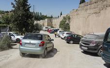 El Ayuntamiento cerrará el aparcamiento de la muralla de la Alberzana