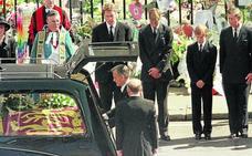 Un funeral, cara a la galería